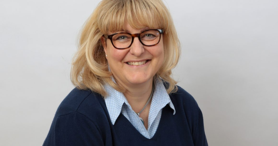 Frau Antje Brinkmann
